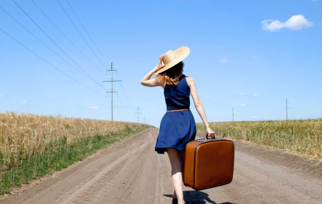 solo travel girl