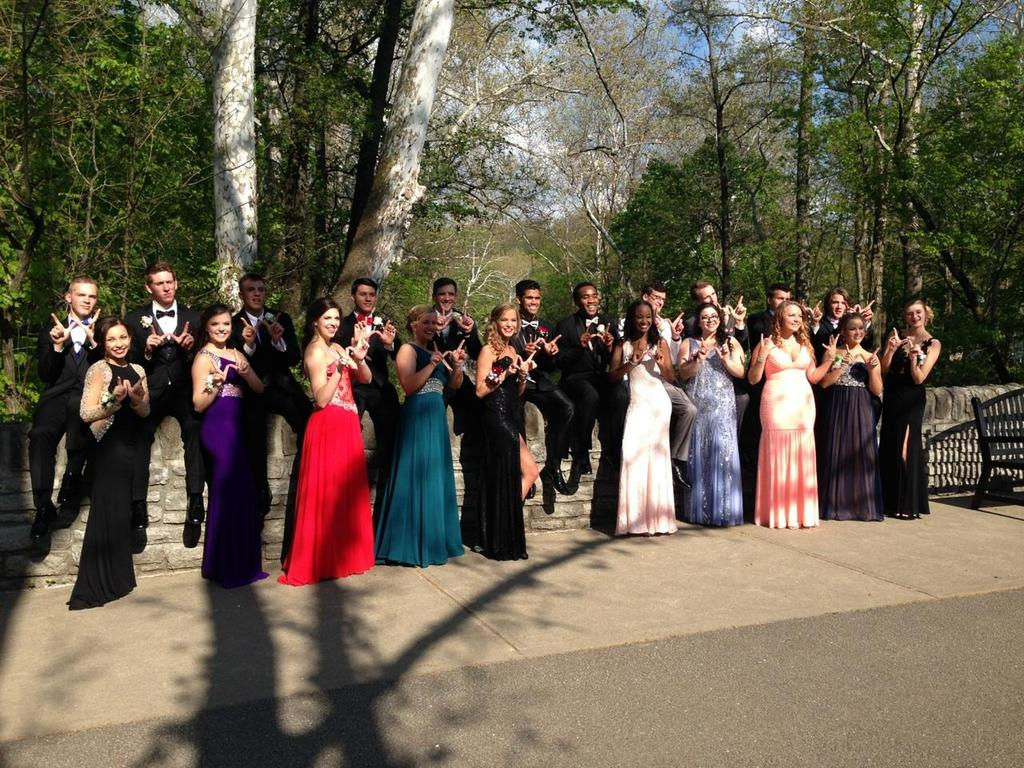 004ea182d0baa1a3-Some-of-our-Firebirds-showing-the-W-and-looking-nice-for-Prom-nigh