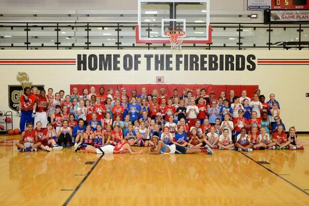 8d149bd2f9f5373e-2014-Girls-Basketball-Camp