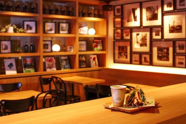 CAFE-INSQUARE(カフェインスクエア)