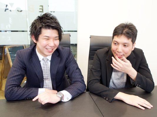 DMM WEBCAMP白井さん×紳さん笑顔