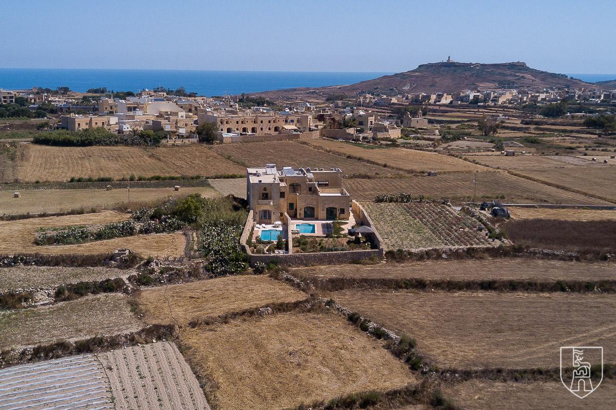 Difference: Gozo Farmhouse & Gozo Villa
