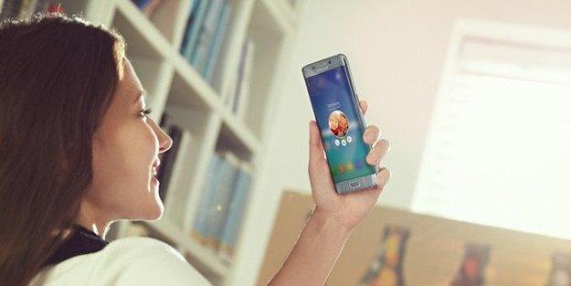 ที่มาของภาพ http://www.phonearena.com/news/Samsung-Galaxy-S6-Edge-specs-review_id72646