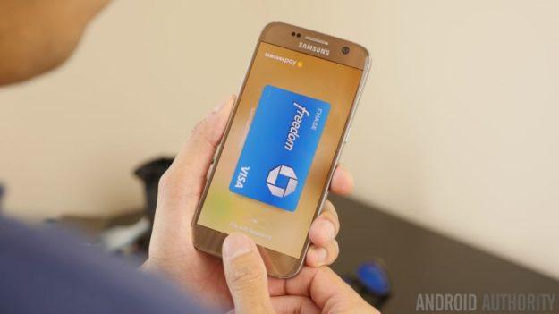 Andoid-Pay-vs-Apple-Pay-vs-Samsung-Pay-840x472