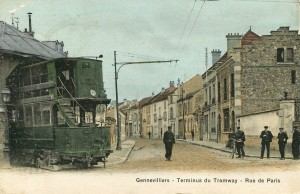 """Motrice type """"Gennevilliers"""" au terminus de tramways de la rue de Paris"""