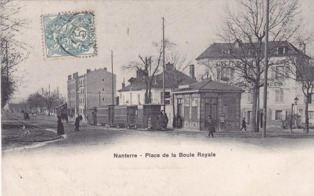 Place de la boule royale au début du XXème siècle . Les premiers tramway font leur apparition comme moyen de transport.
