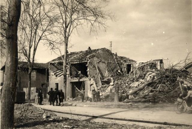 Bombardements sur le Val Pompadour. Immeubles détruits sur la N6 entre les rues Jaurès et Curie