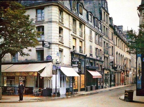 L'angle de la rue du Bac et du boulevard St-Germain par Stéphane Passet