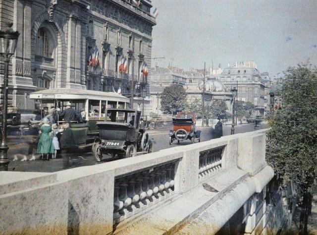 Le quai d'Orsay au niveau de la gare d'Orsay par Auguste Léon