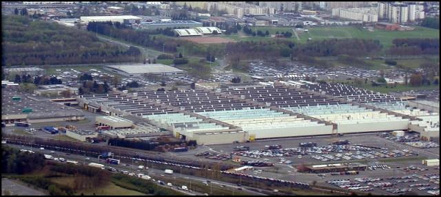 Vue aérienne de l'usine PSA à Aulnay