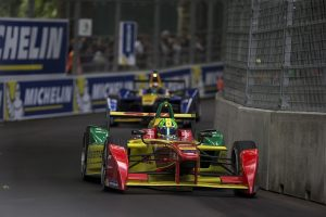 Battersea Park provided a thrilling showdown. Di Grassi finished ahead of Buemi in a tentative Race 1. The second race was far more explosive. (FIA Formula E)