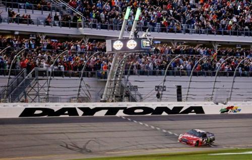 Kurt Busch wins 2017's Daytona 500 (AP)