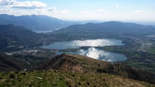 Punto panoramico sui laghi minori dal Monte Cornizzolo