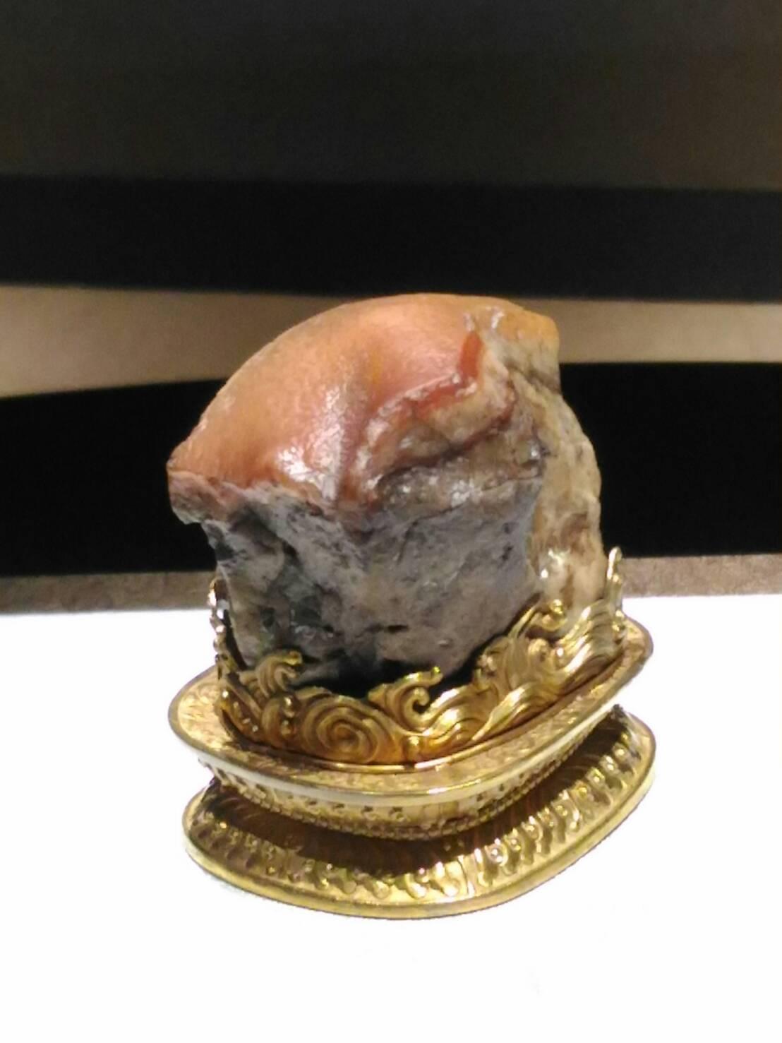 台湾の国宝・世界の国宝シリーズ「肉型石」豚の角煮彫刻