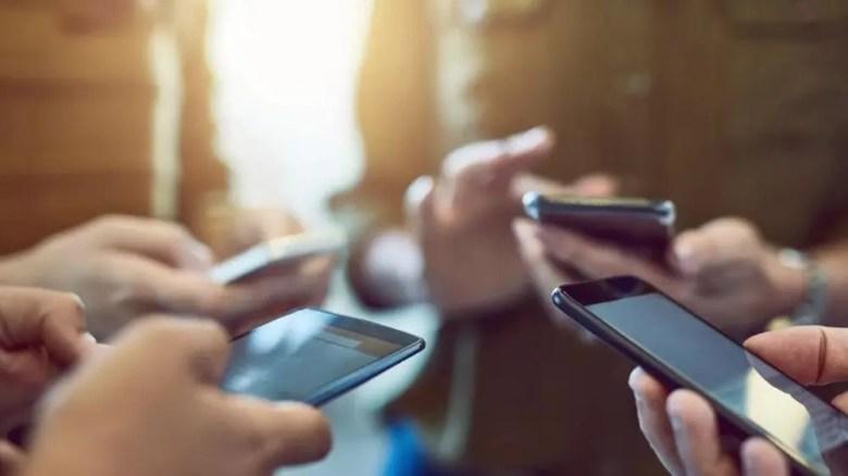 χρεώσεις κινητής