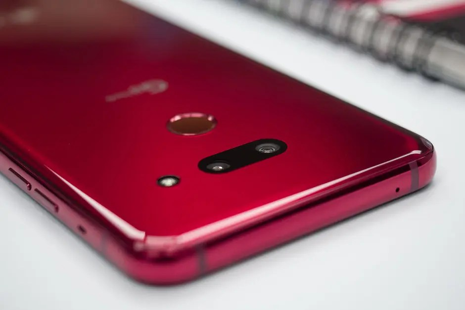 LG: «τρολλάρει» την Huawei για τον αποκλεισμό της!