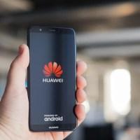 Huawei: το «τερμάτισε» με διαφημίσεις Booking.com στις lockscreens!