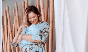 Ανίτα Μπραντ: Ποζάρει με μαγιό ένα μήνα μετά την γέννηση του γιού της