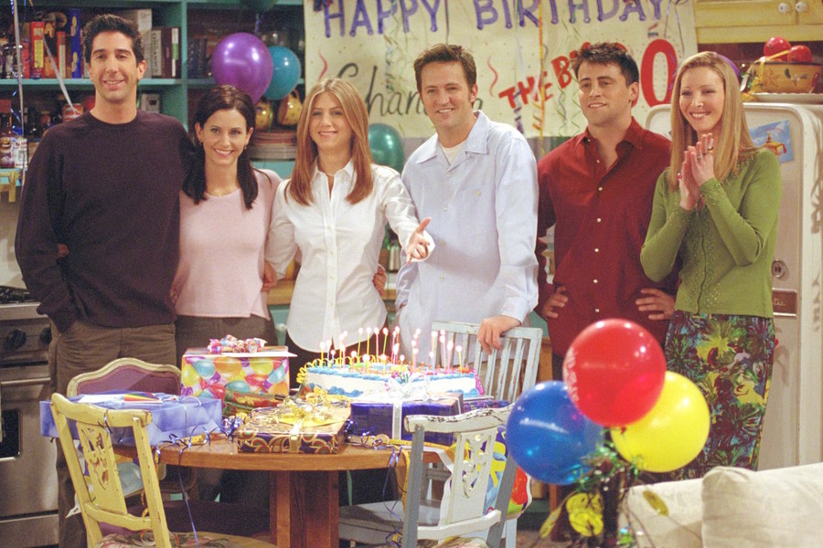 "Cast members of NBC's comedy series ""Friends."" Pictured (l to r): David Schwimmer as Ross Geller, Courteney Cox as Monica Geller, Jennifer Aniston as Rachel Cook, Matthew Perry as Chandler Bing, Matt LeBlanc as Joey Tribbiani and Lisa Kudrow as Phoebe Buffay. Episode: ""The One Where They All Turn Thirthy."" (Photo by Warner Bros. Television)"