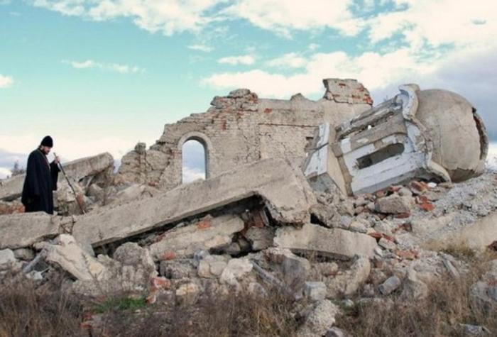 Албаци спречили Србе из Петрича да на празник обуђу цркву и гробље