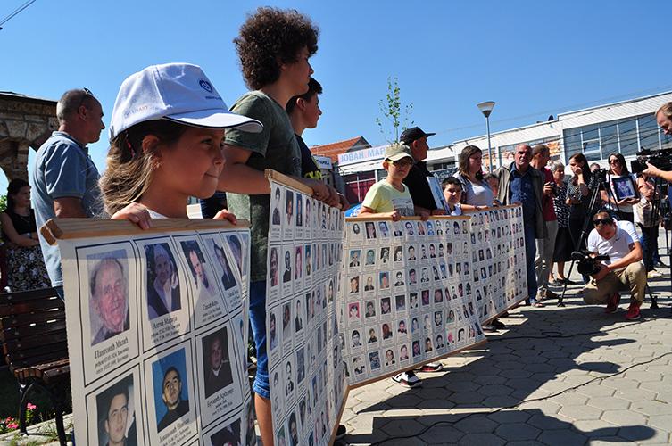 Породице косметских жртава: Ослободити киднаповане пре наставка дијалога