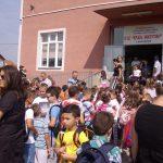 У српским срединама на централном Косову близу 6.000 ђака поново у својим клупама