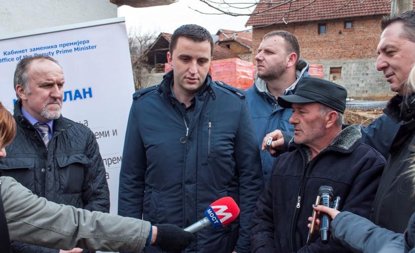 Витомир Гарић из Велике Хоче добио грађевински материјал за изградњу рибљег ресторана