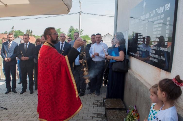 Обележено 18 година од масакра у Старом Грацку