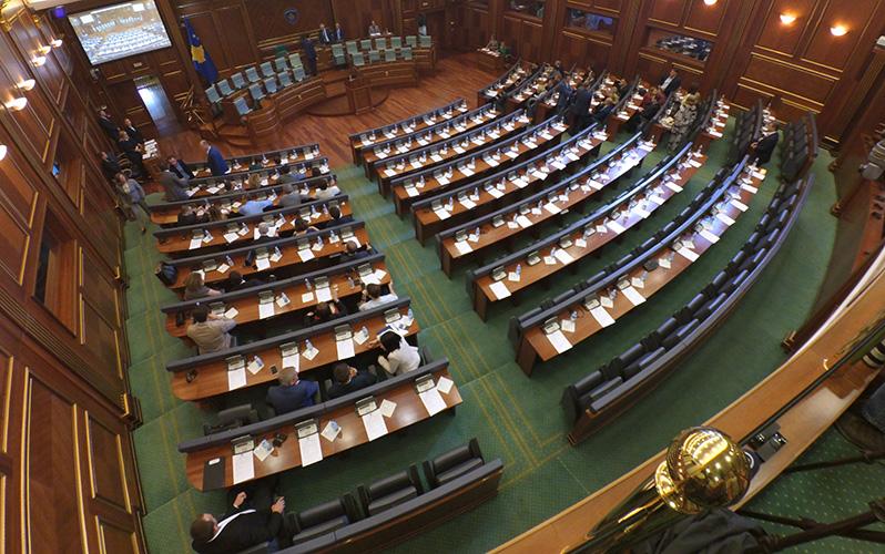 Пети пут прекинута седница Косовског парламента; Пацоли не очекује формирање институција до краја недеље