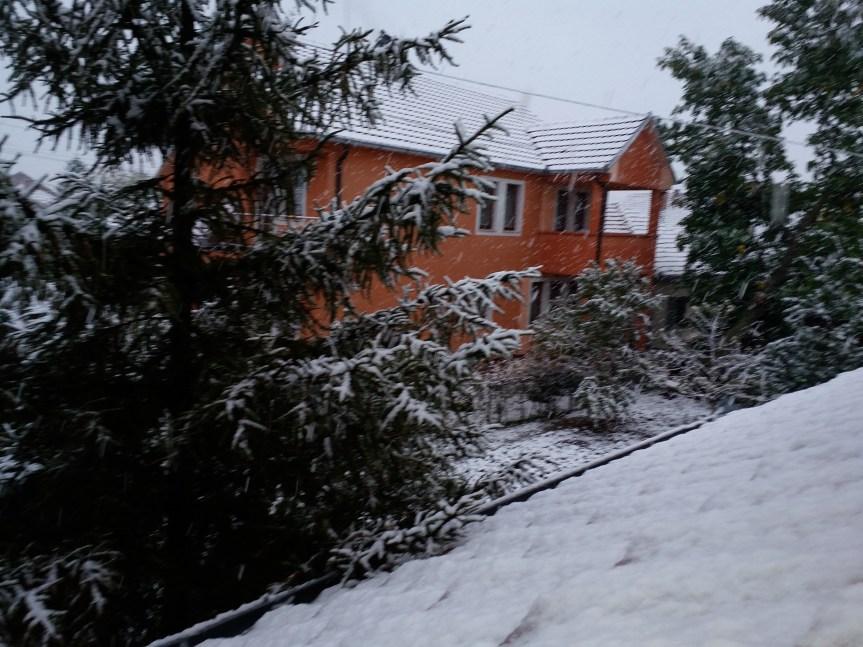 Gračanica: Prvi sneg u oktobru