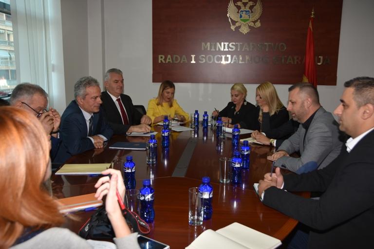 Јевтић у Црној Гори: Омогућити повратак свима који то желе