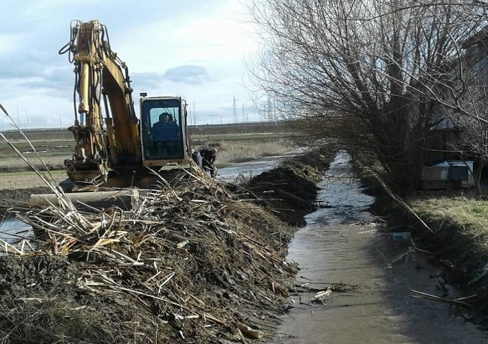 Чишћење канала после обилних падавина