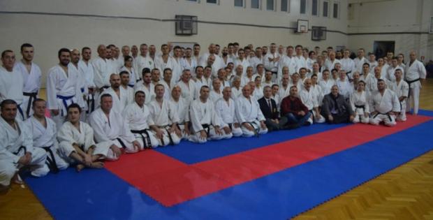Карате репрезентација Косова у Новом Саду једино уз грб Европске карате федерације