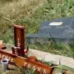 Ораховац: Поломљене крстаче Срба сахрањених пре само два месеца