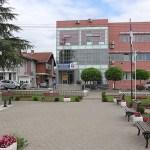 Општина Грачаница транспарентна, директори иза закључаних врата