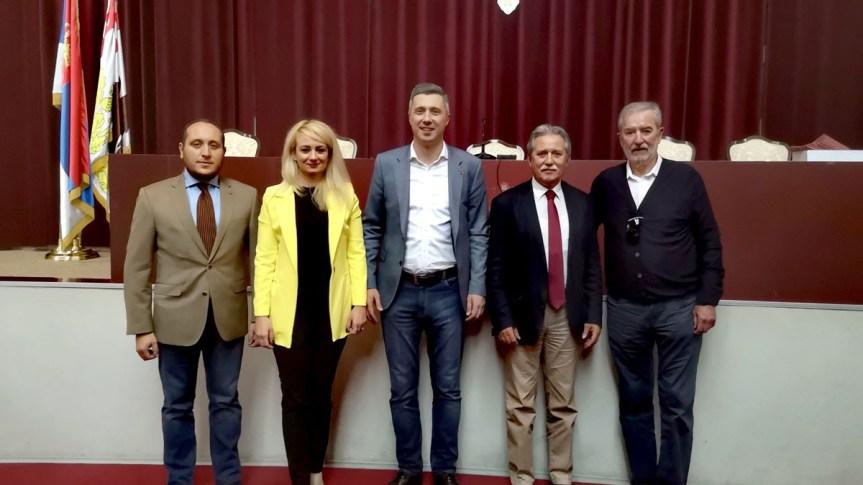 Радна група за КиМ: Да ли је Вучић питао народ кад је поставио границу на Јарињу