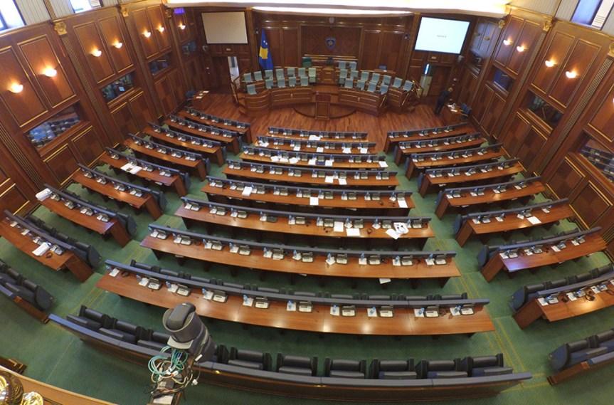 Одложена конститутивна седница парламента Косова због Божићних празника, коалиционог споразума нема