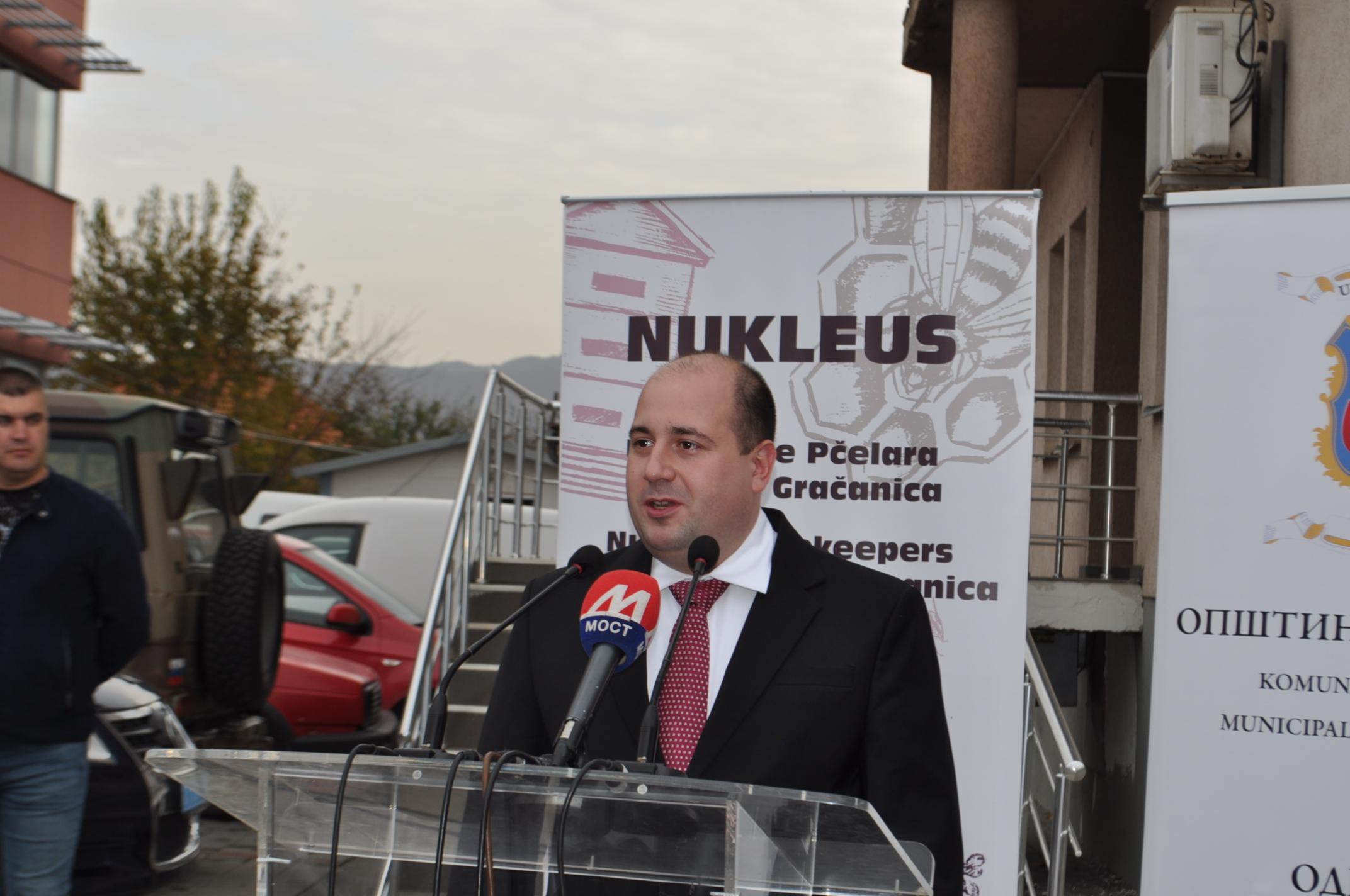 Kozarev u Kosovskoj Mitrovici na svečanoj Akademiji povodom Dana studenata