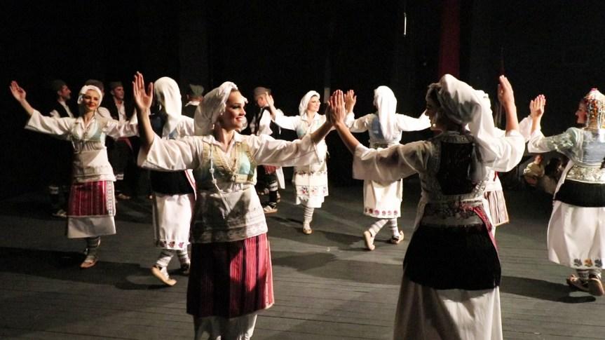"""Ансамбл """"Венац"""": Песма и игра за грачаничку публику, наклон за присаједињење Војводине Србији"""