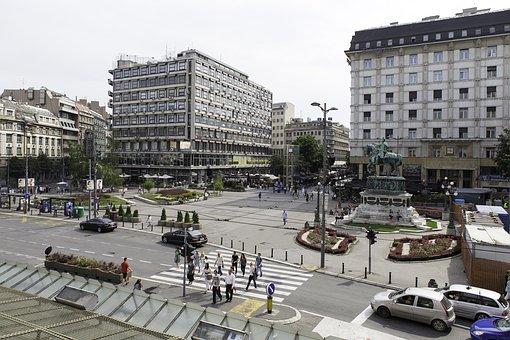 Протест студената у Београду у знак подршке народу на КиМ