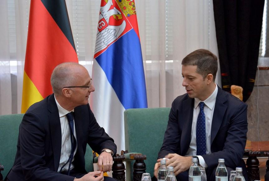 Ђурић упозорио Шиба: Формирање војске Косова напад на регионални мир