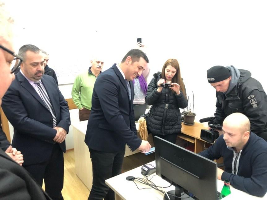 Usluge elektronske uprave i na šalterima opštinskih uprava u četiri opštine na Severu Kosova i Metohije
