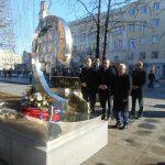 Српска листа положила венац на споменик трагично страдалим бањалучким бебама