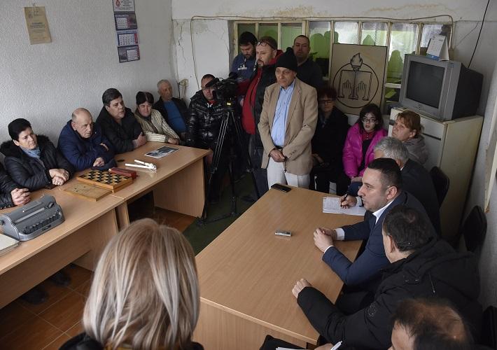 Поповић обишао Удружење слепих и слабовидих у Грачаници