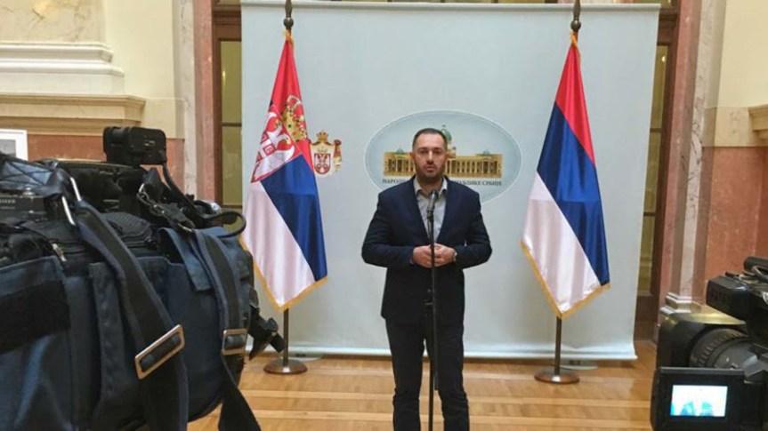 Dveri: Ministar Nedimović opet obmanjuje građane po pitanju GMO i bezbednosti hrane