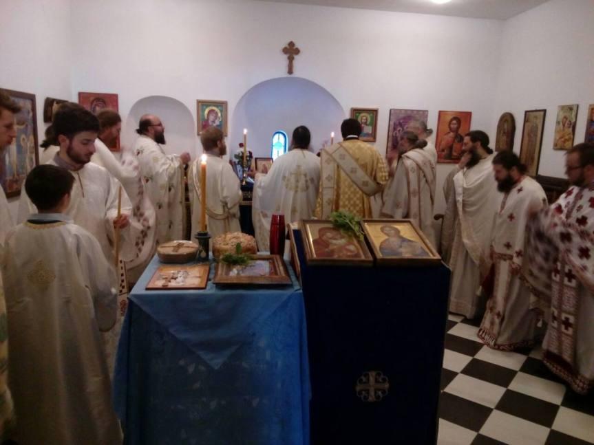 Лазарева субота, дан када су се монаси вратили у запаљен и разрушен манастир Светих Архангела
