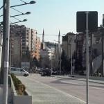 Млади Срби и Албанци из северне и јужне Косовске Митровице: Руже могу да цветају и овде само се треба потрудити, јер тренутно сви би без школе хтели да шефују