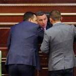 Скупштина Косова ванредно заседа поводом масовног одласка младих, студената, лекара и стручњака са Косова