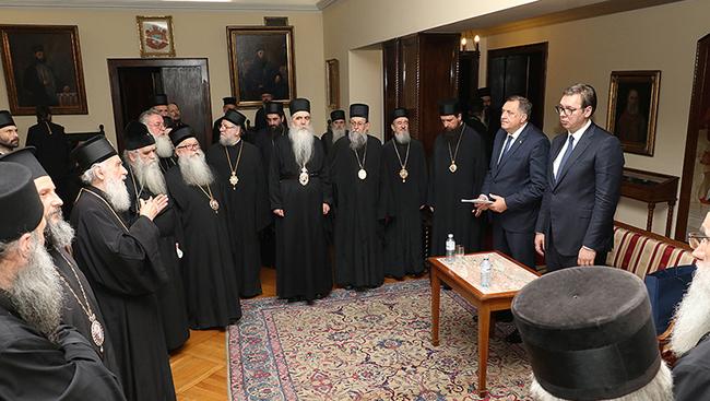 Група владика незадовољна саопштењем о доласку Вучића и Додика на заседање Сабора СПЦ