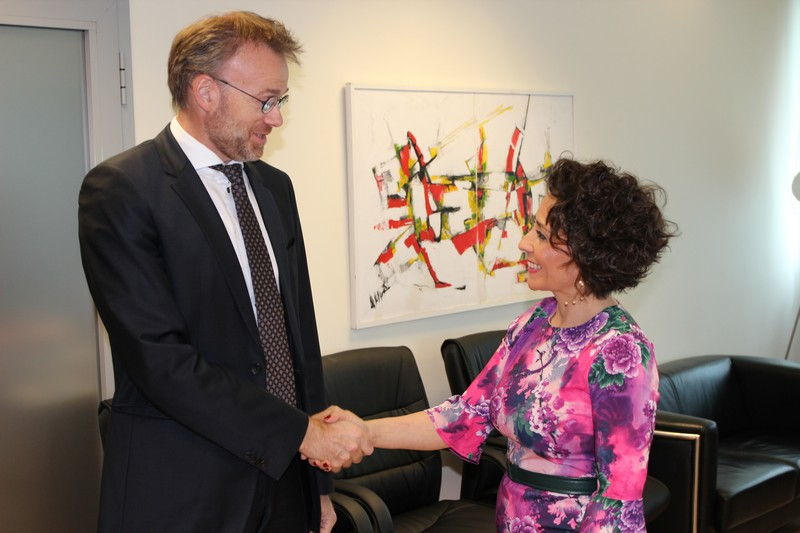 Норвешки амбасадор на Косову састао се са министарком за администрацију и локалну самоуправу
